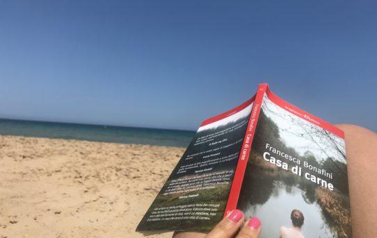 """Libri per l'estate: """"Casa di carne"""" di Francesca Bonafini."""